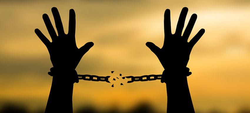 liberación chantaje emocional cadenas